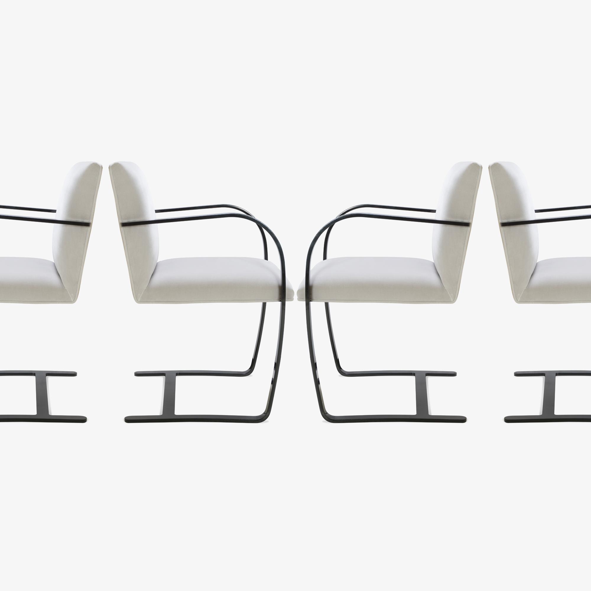 Brno Flat-Bar Chair in Dove Velvet, Obsidian Gloss5.png