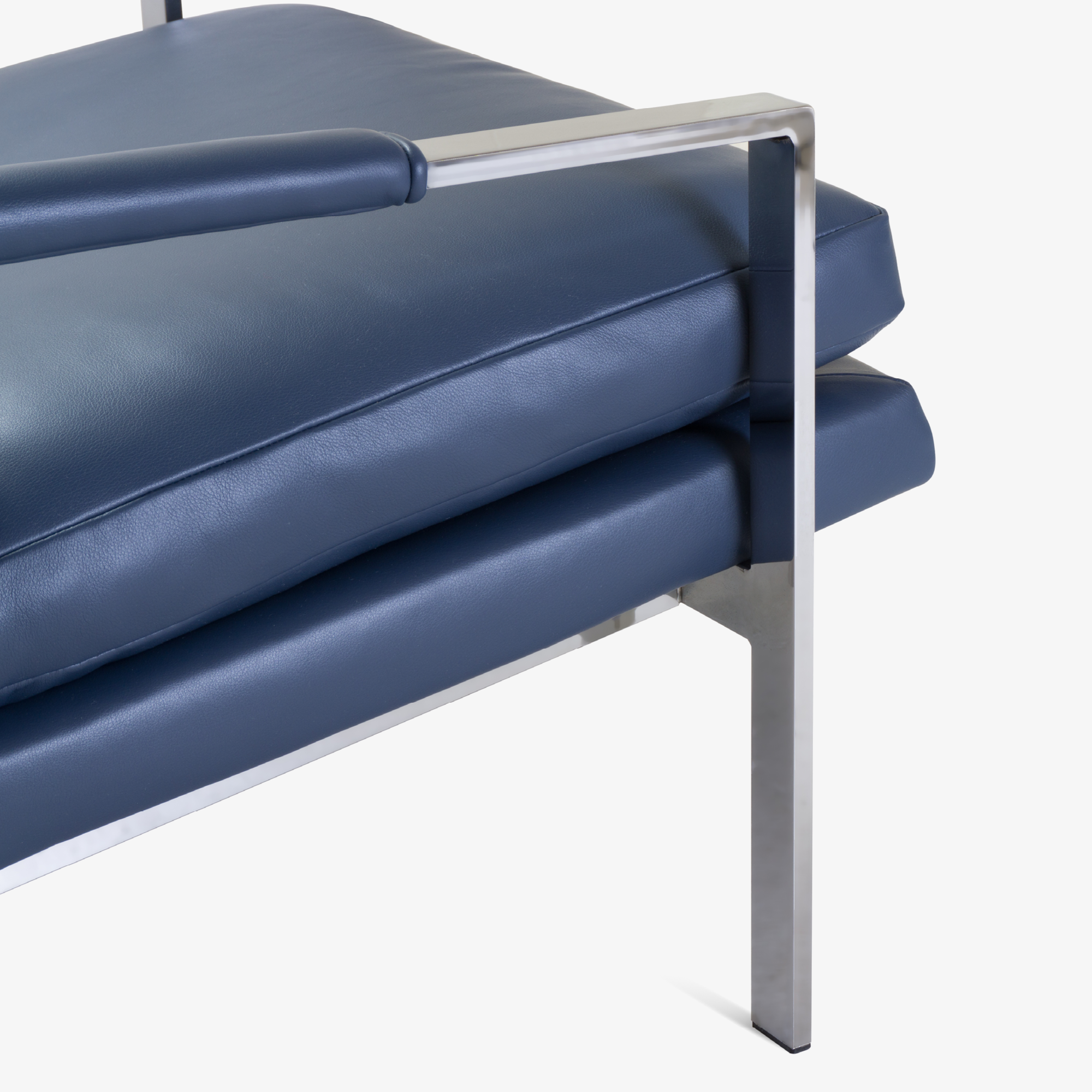 Flat-Bar Club Chairs in Navy Leather by Milo Baughman for Thayer Coggin6.png