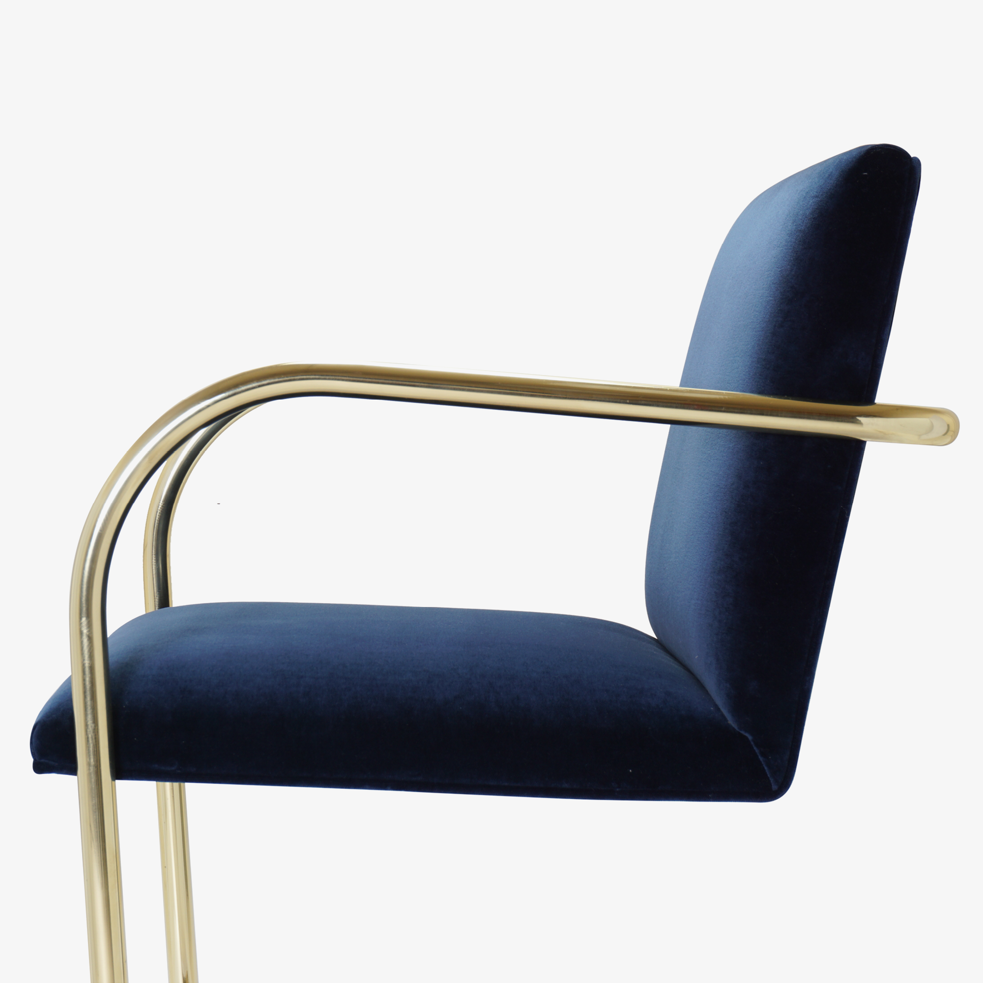Brno Tubular Chair in Velvet, Polished Brass9.png