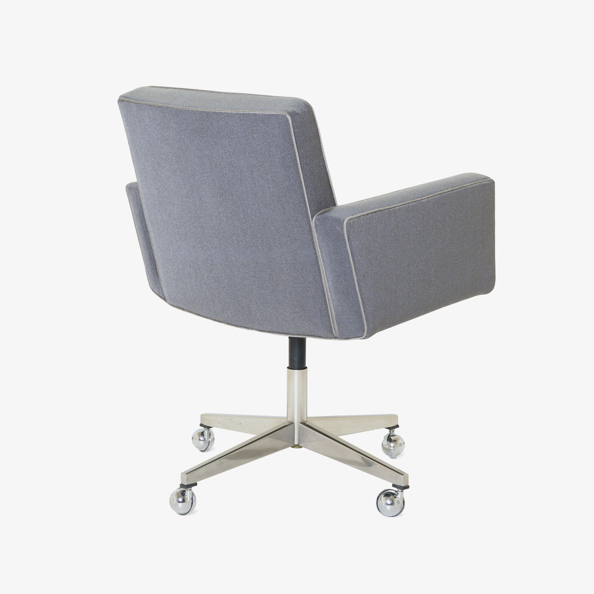 Executive Chair in Vintage KnollTextiles by Vincent Cafiero for Knoll4.png