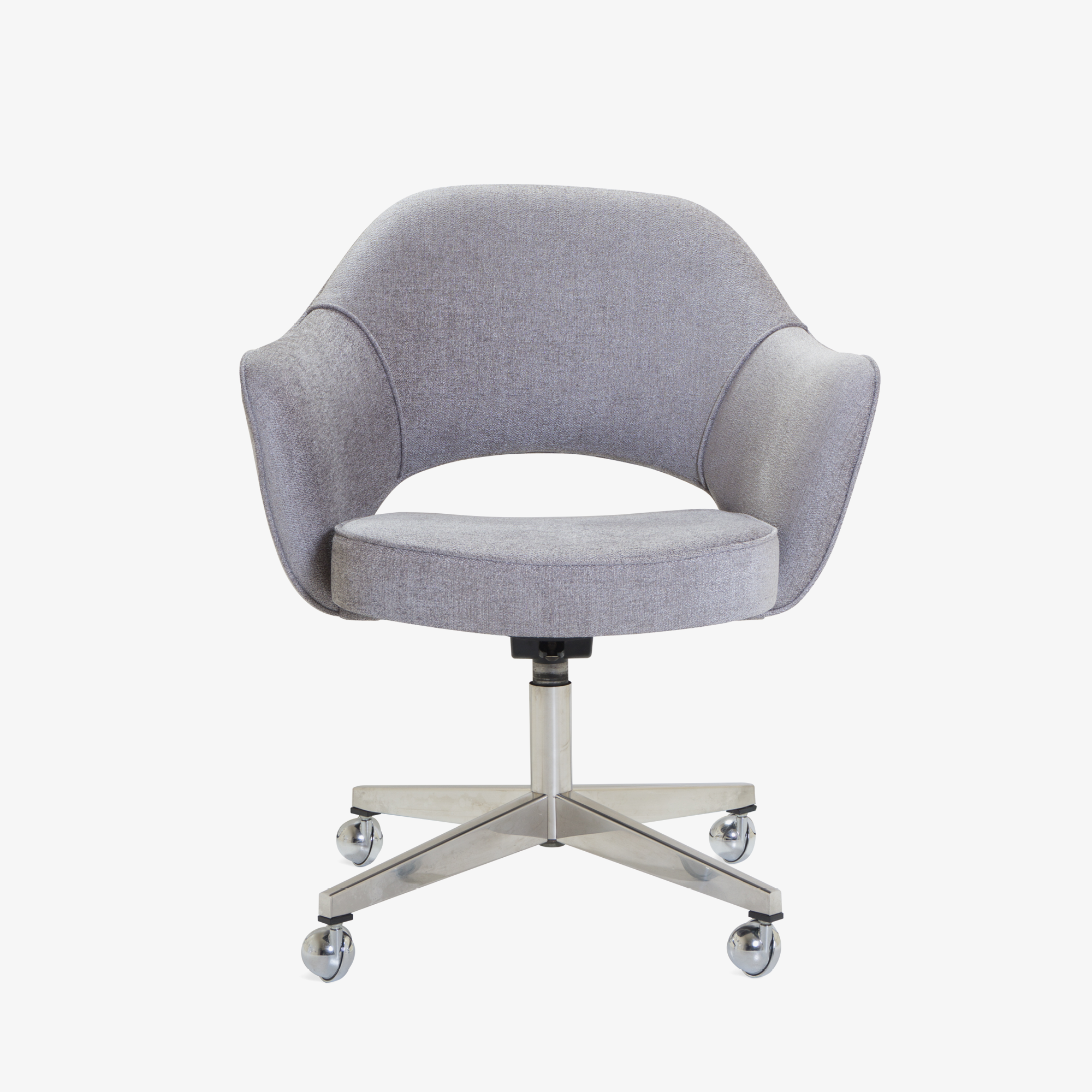 Saarinen Executive Arm Chair in Sterling, Swivel Base2.png