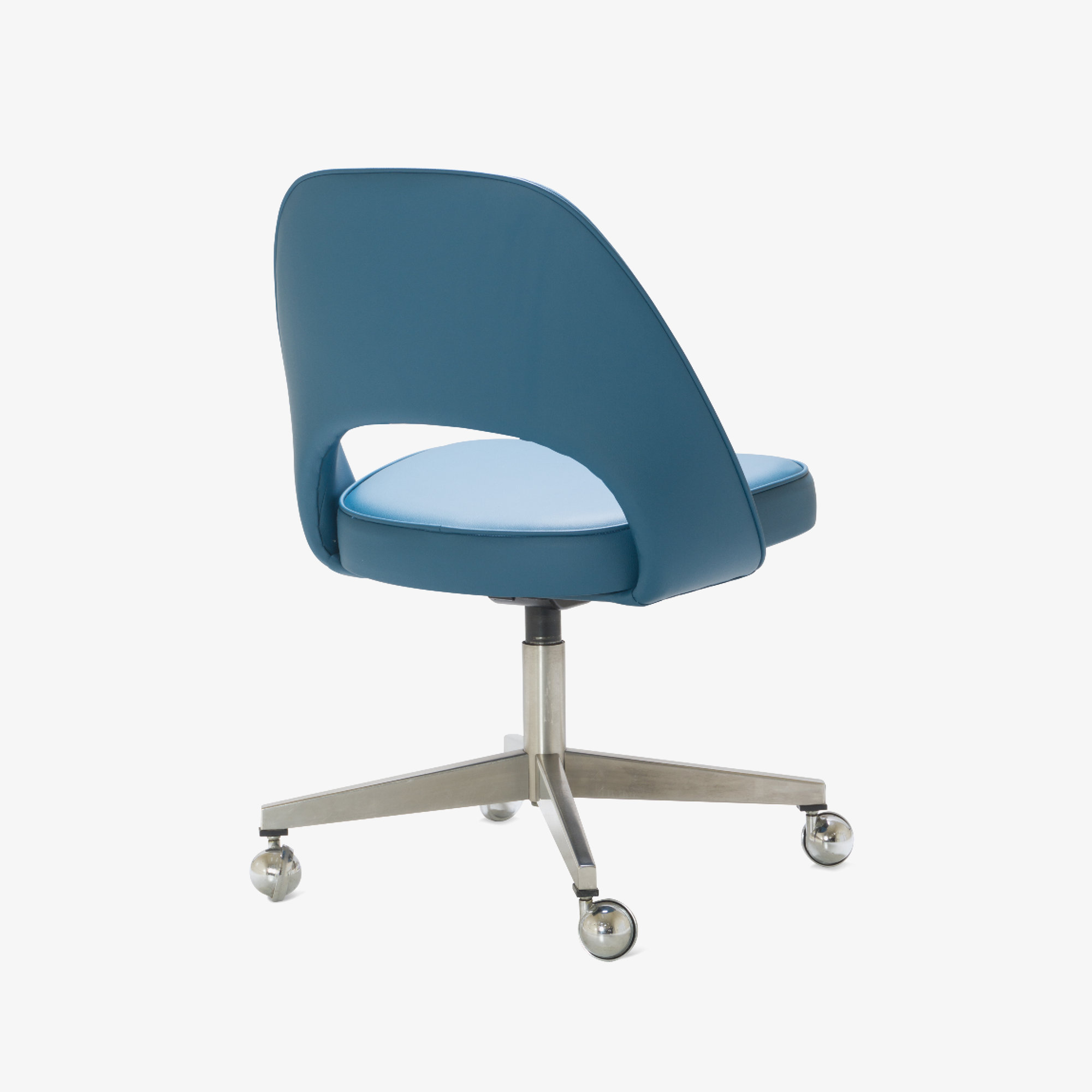 Saarinen Executive Armless Chair in Pelle Faux Leather, Swivel Base3.png