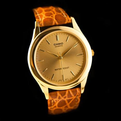 Casio-montre_cuir4PARIS