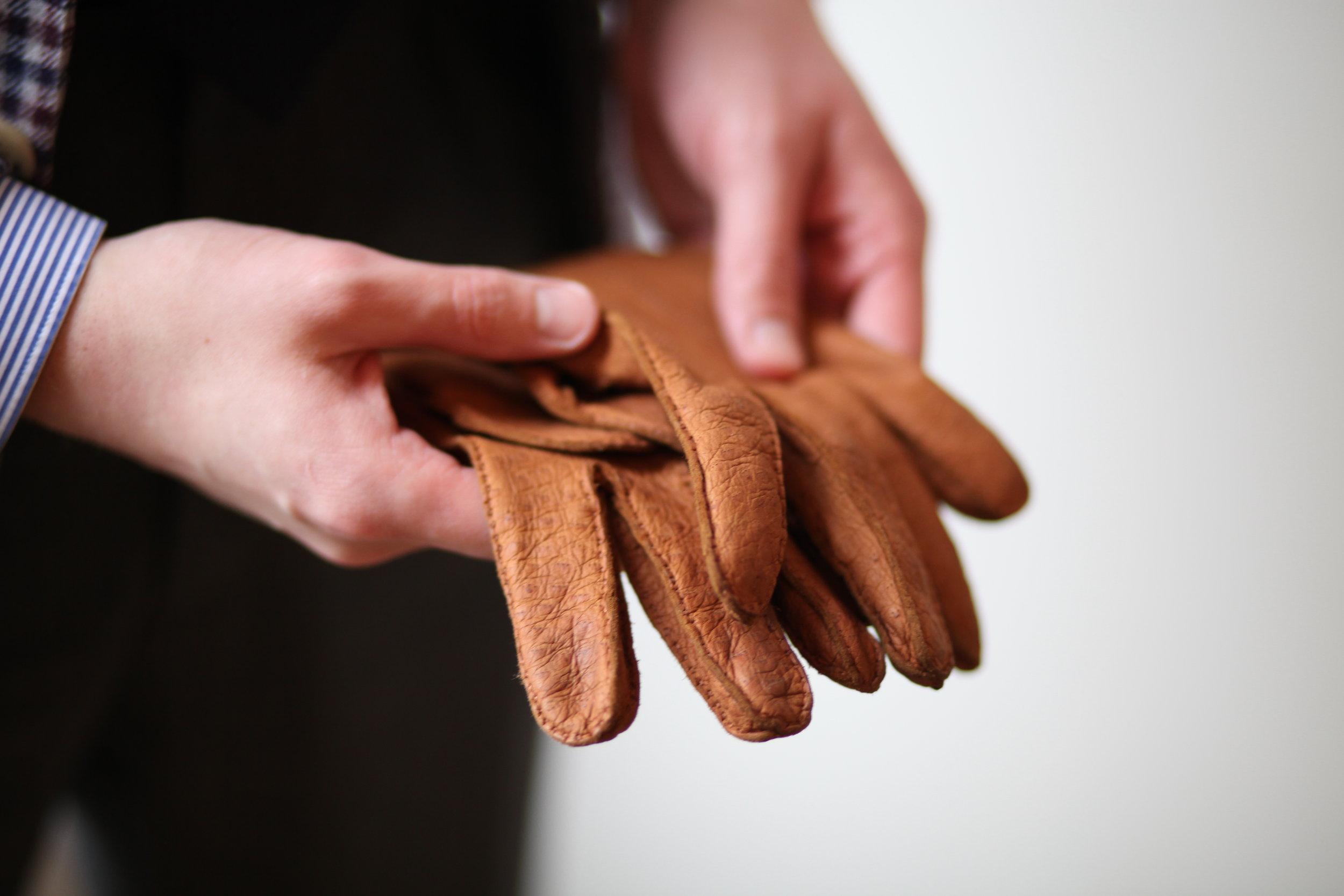 romain biette tailleur costume ardentes clipei paris gants pecari