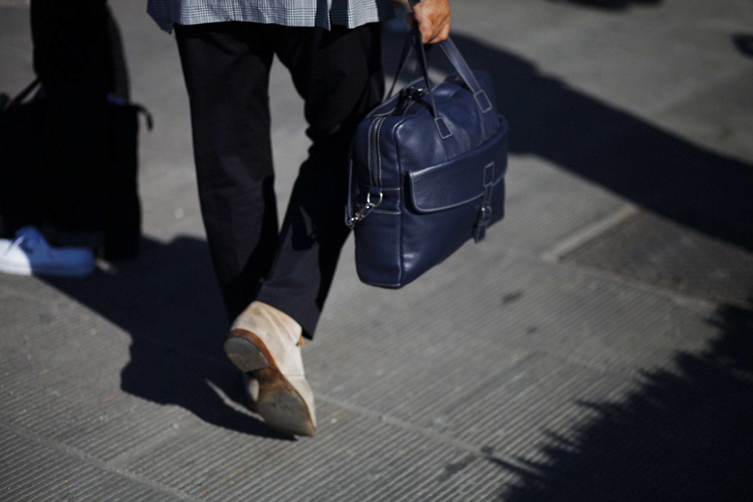 Pitti Uomo les indispensables paris 92 Florence seersucker the armoury bag sac cuir leather