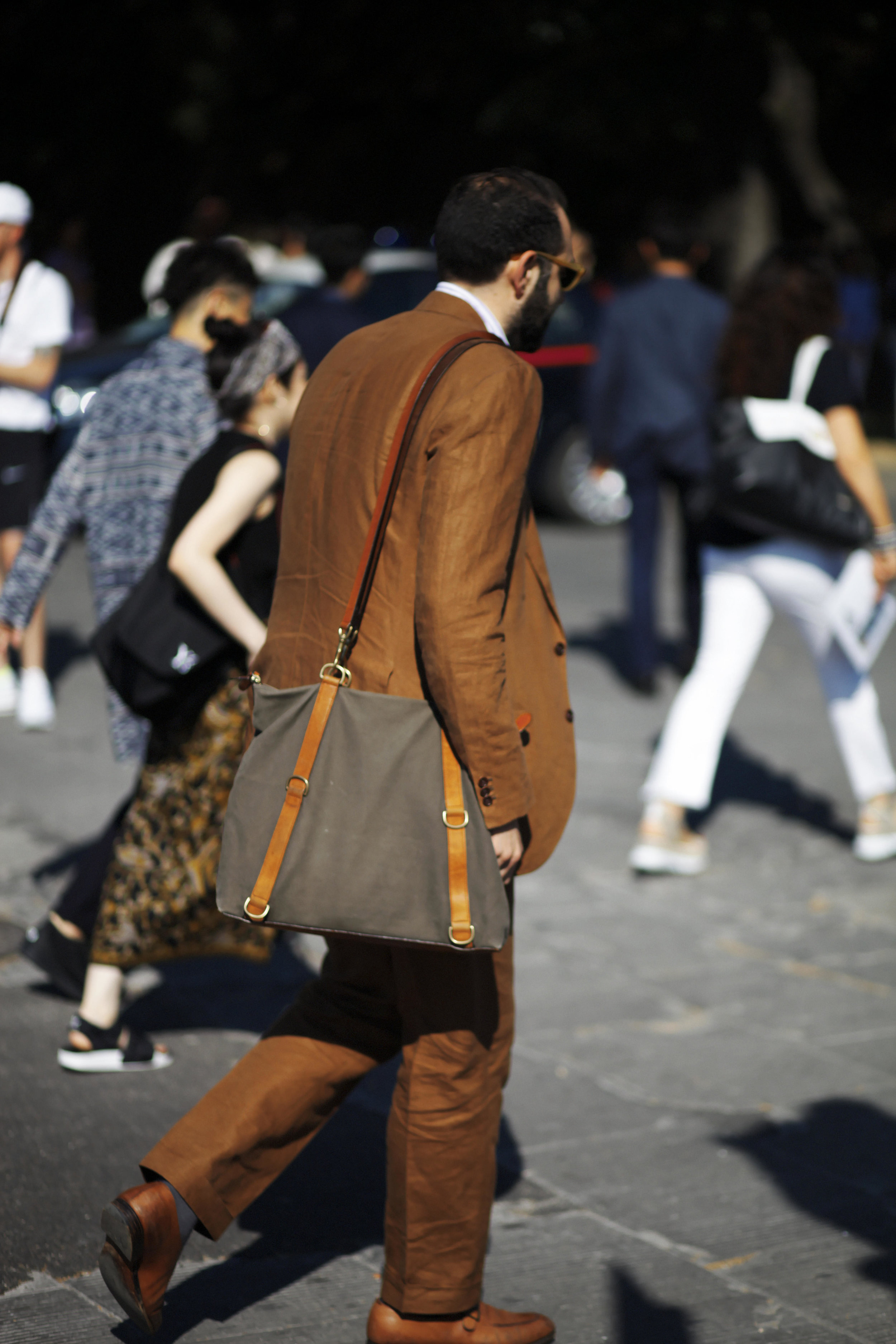 Pitti Uomo les indispensables paris 92 Florence bag sac nomanwalksalone