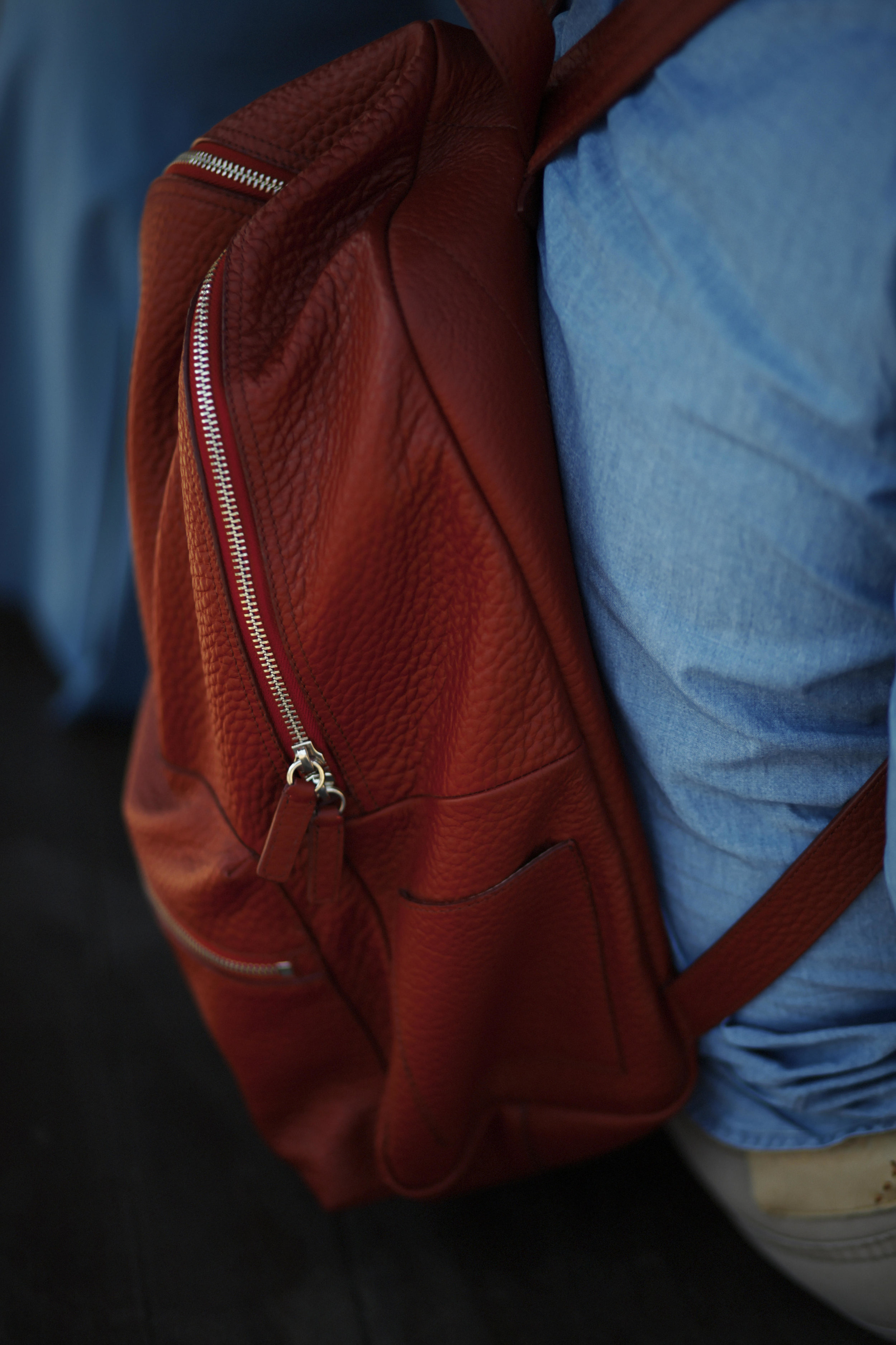 Pitti Uomo les indispensables paris 92 Florence bag leather red