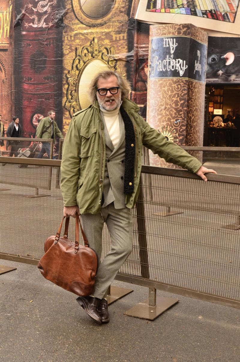 green-field-jacket-men-smoking-bag-streetstyle.jpg