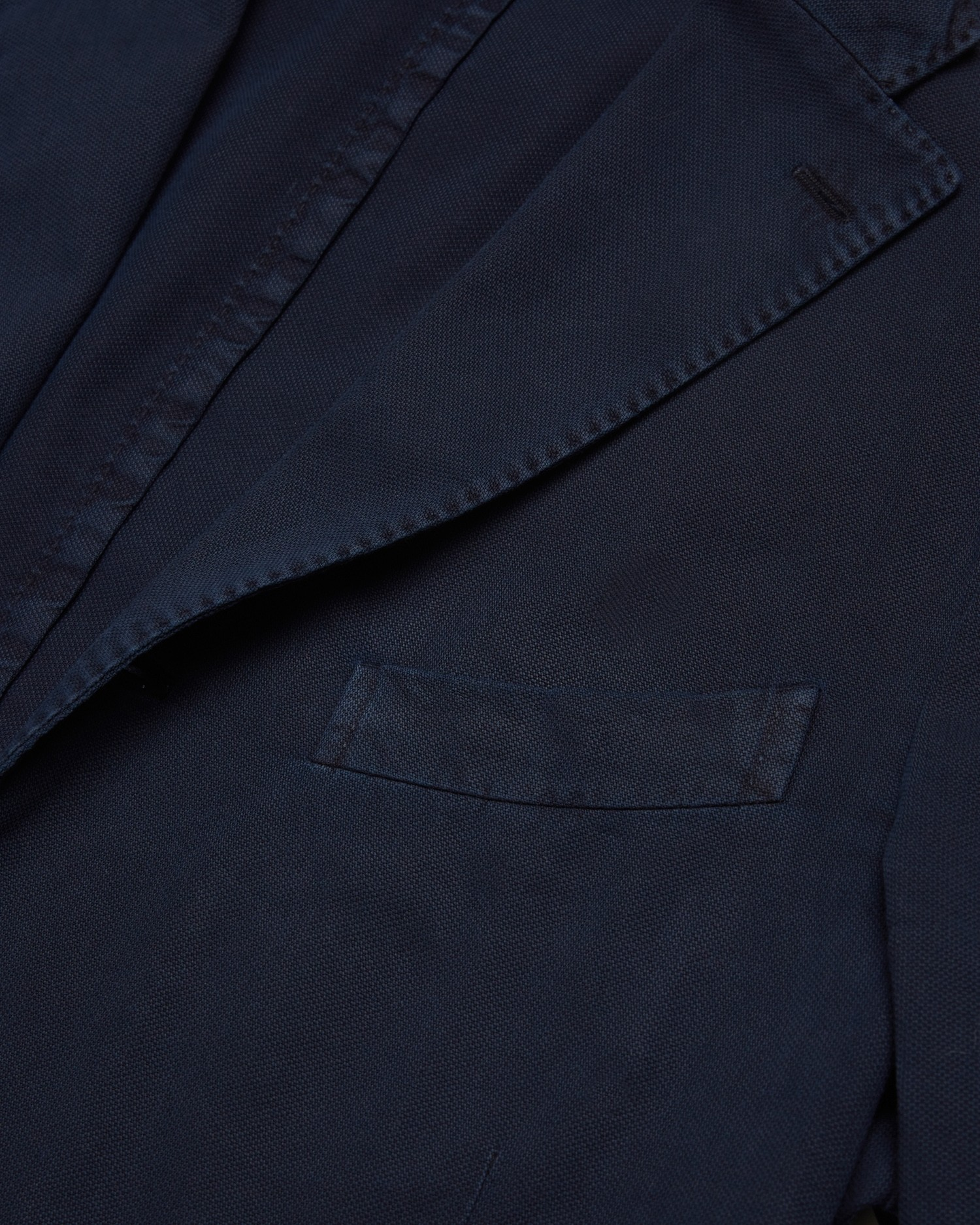 boglioli_garment_dyed_cotton_jacket_navy_4.jpg