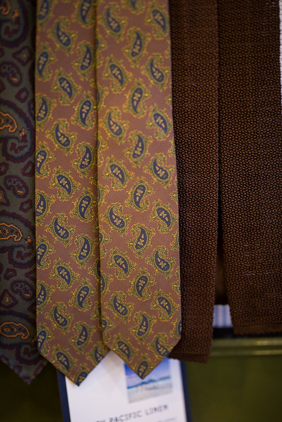 Cravates motifs praisley