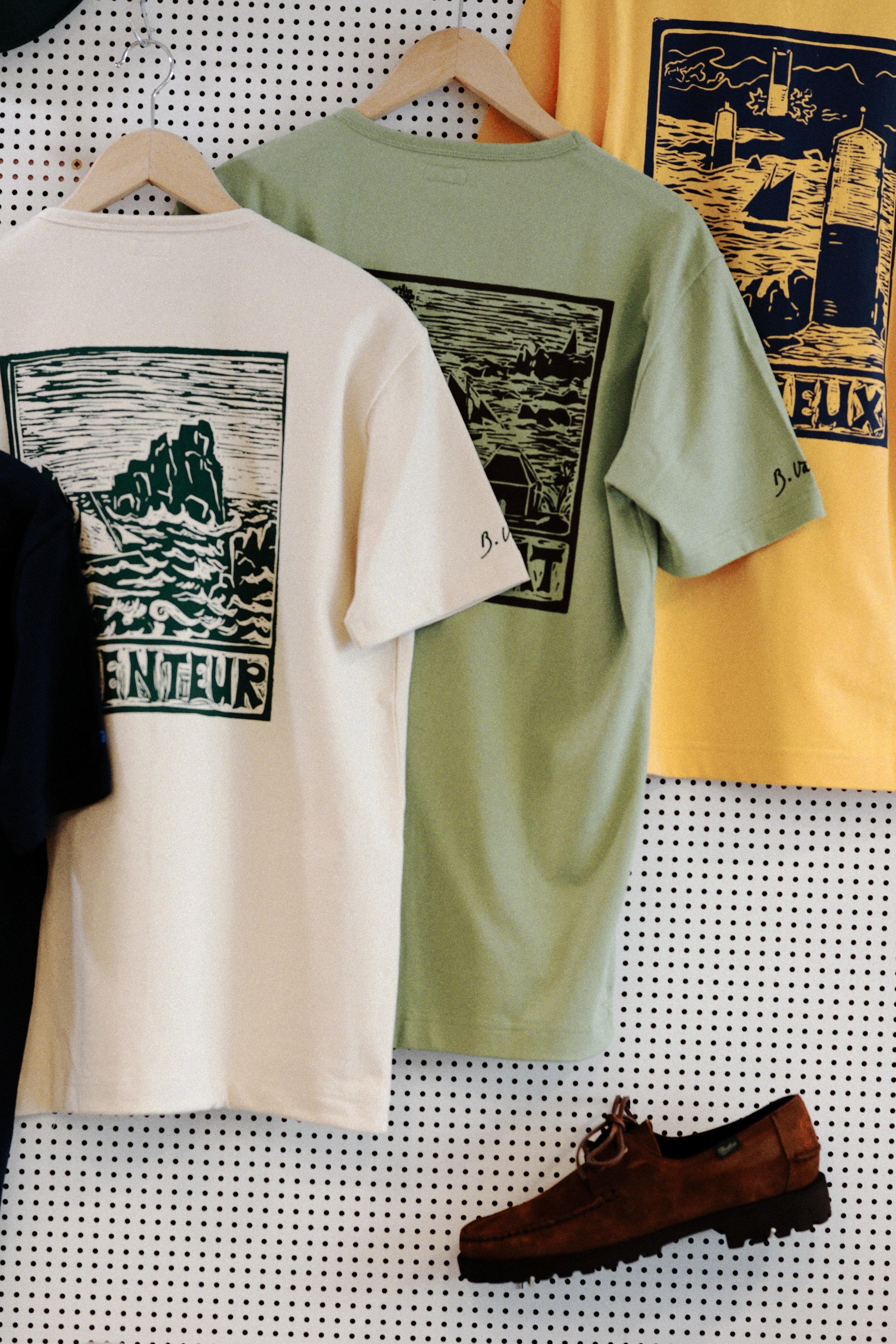 Collaboration Arpenteur x Paraboot - modèle Dominique - et t-shirts illustrés