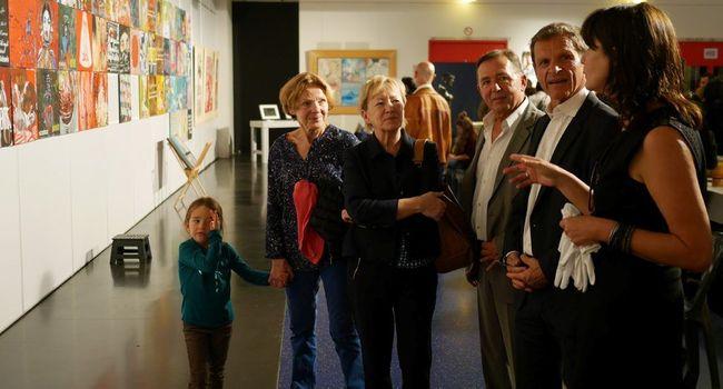 Christian Dézalos et Lucette Lousteau en visite au Salon d'automne