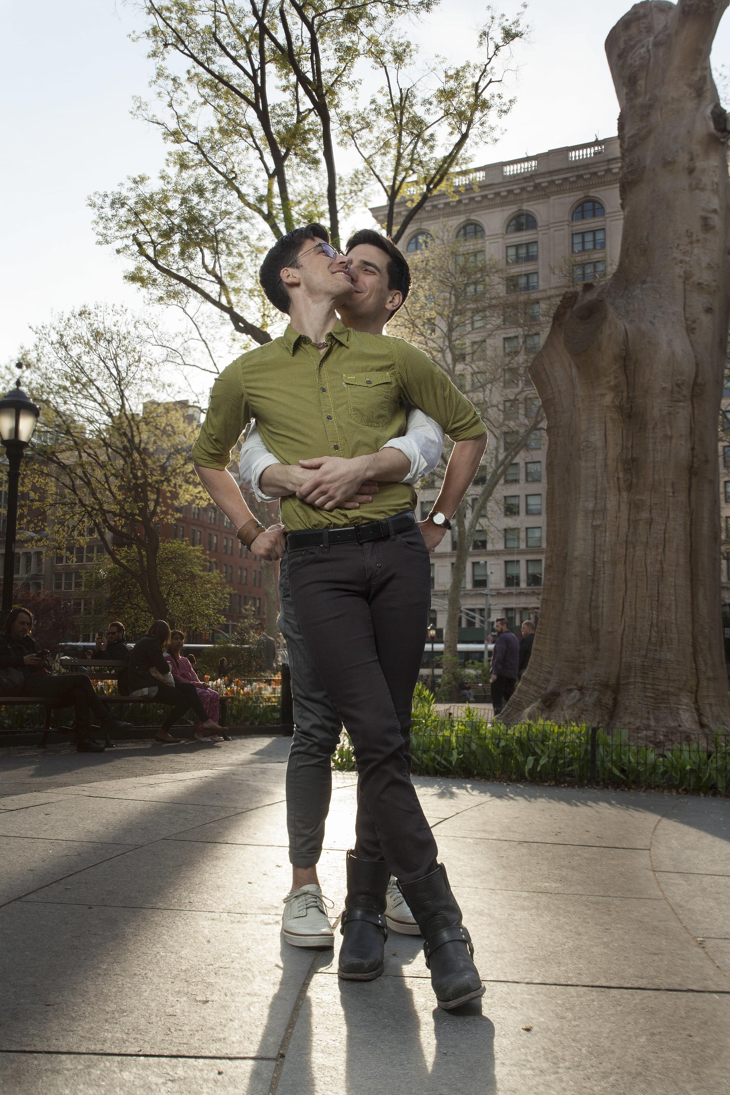 couples_huging.jpg