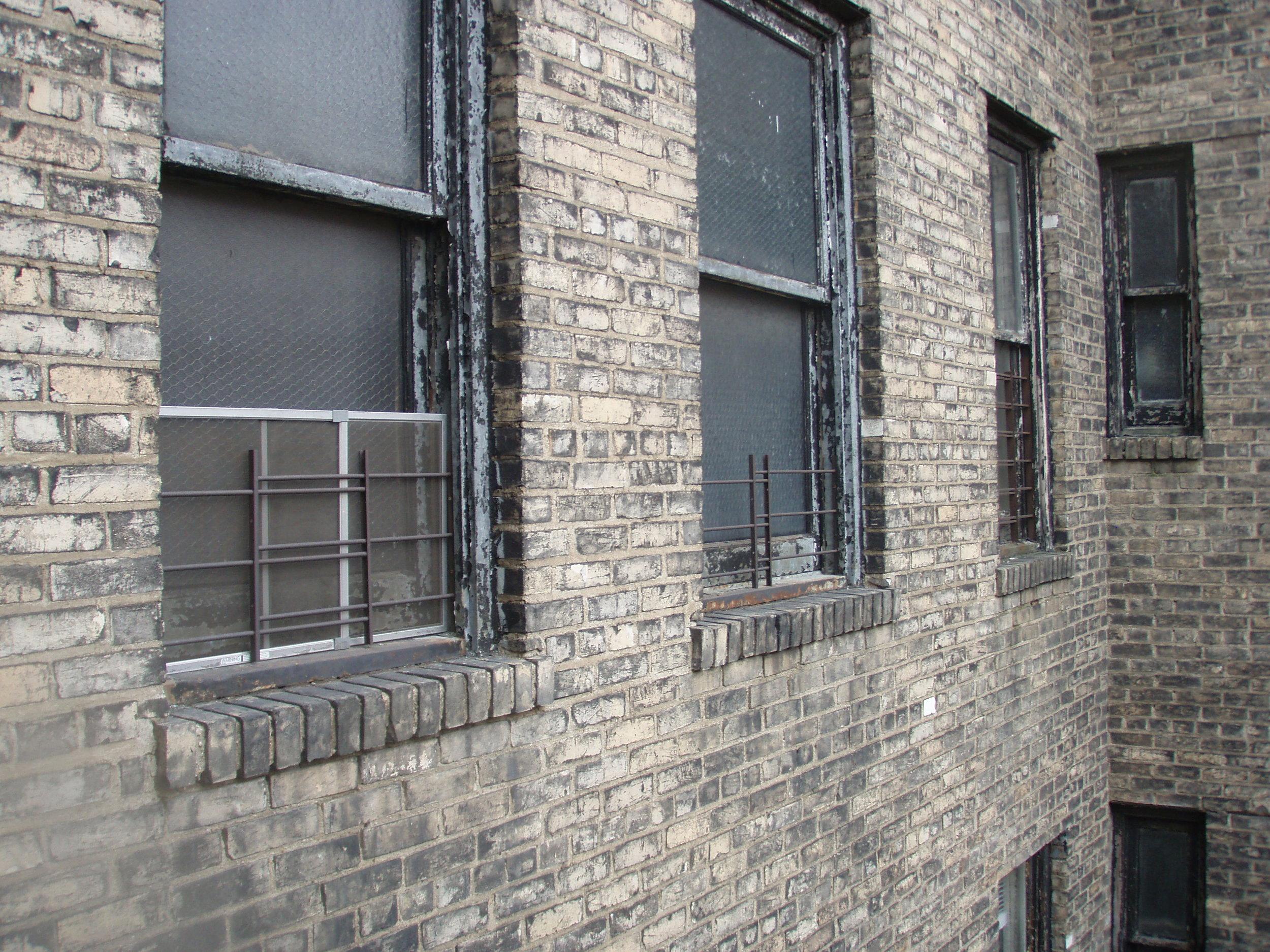 Brooklyn-Heights-windows-before-repair-LFA-Architects.JPG