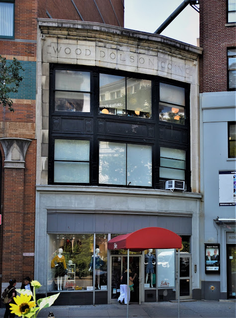 2091 Broadway fb daytonian in Manhattan.JPG