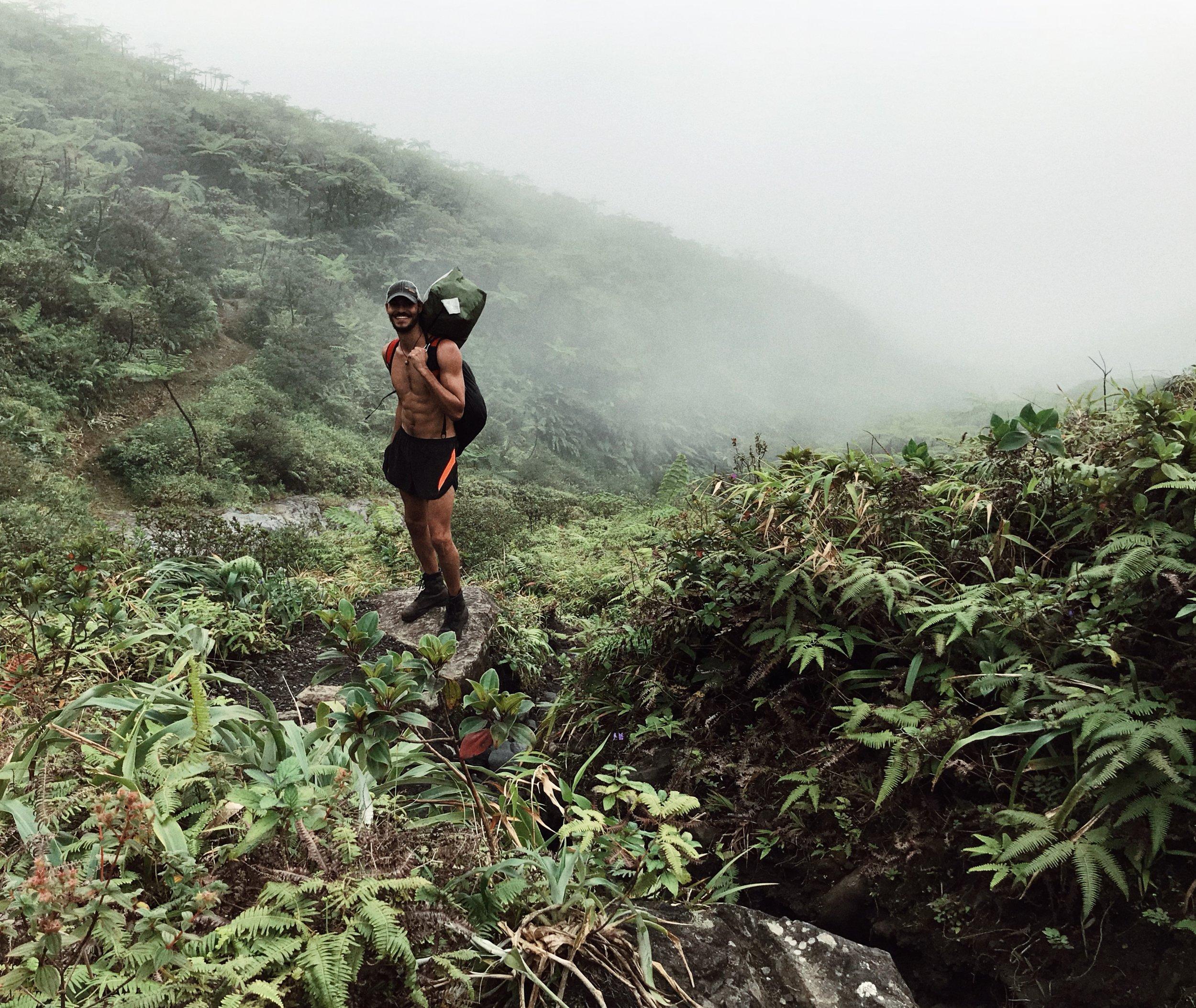 09:54 - Muscling Gear Down the Volcano. p.c.:Kai Best.