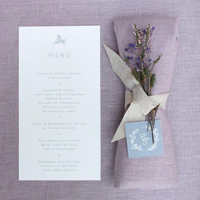 Et on continue à vous spammer avec notre Celeste ! Ici le menu et la petite étiquette assortie, pour vos serviettes et autres cadeaux d'invités !  #pruneetsibylle #fairepart #fairepartmariage #fairepartpersonnalise #cadeau