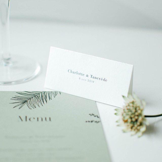 Notre collection Ensoleillée se glisse sur vos tables de mariage : menus, marque places, étiquettes pour cadeaux d'invités, plan de table... tout est possible n'hésitez pas à nous interroger ! ⠀⠀⠀⠀⠀⠀⠀⠀⠀ #pruneetsibylle #papeteriemariage #decomariage #tablemariage #menumariage