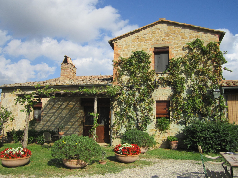 Main farm house building at Cretaiole