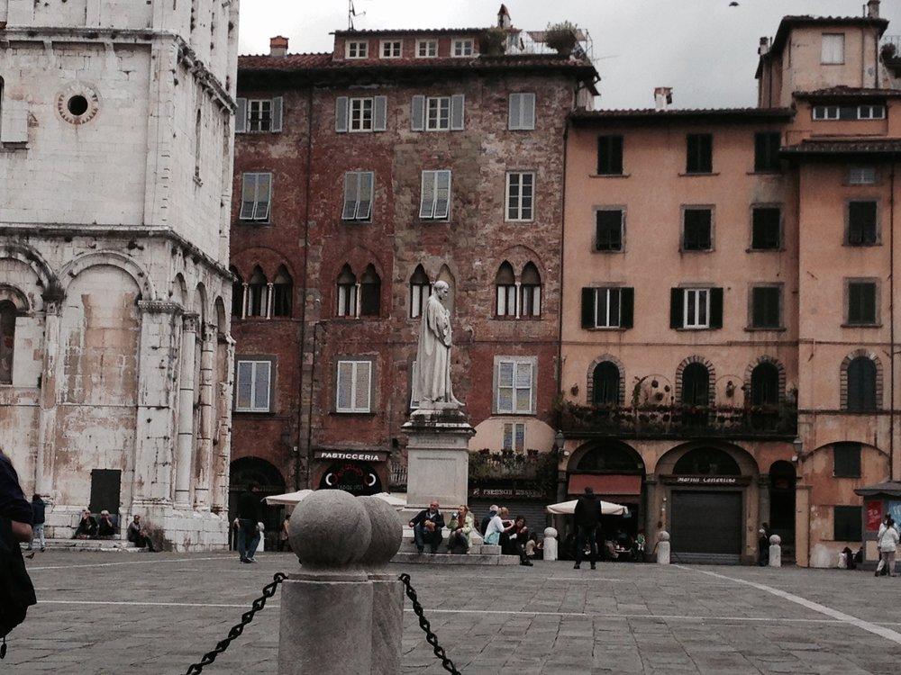Piazza San Michele, Lucca