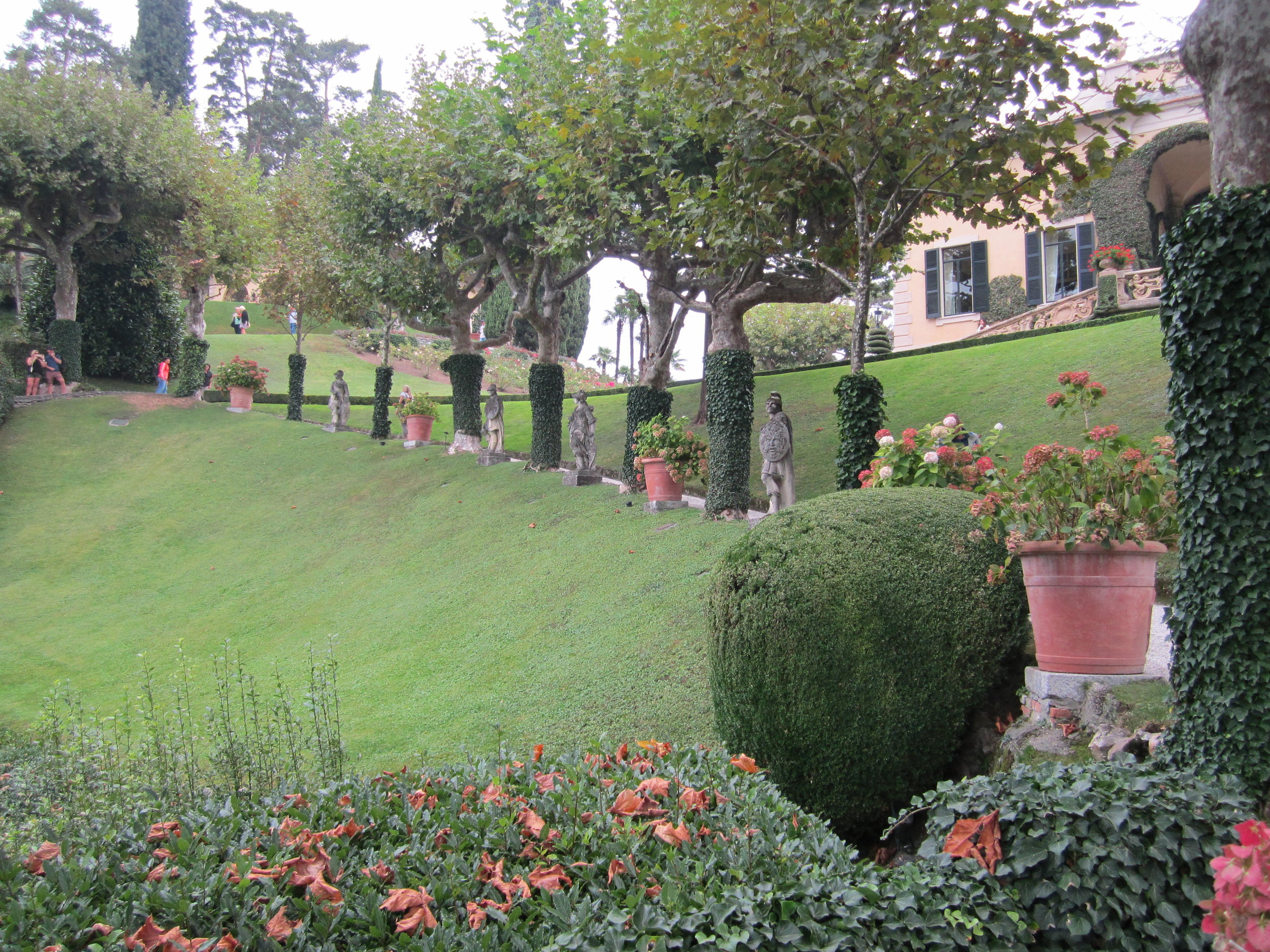 Statues line the path up to the loggia.