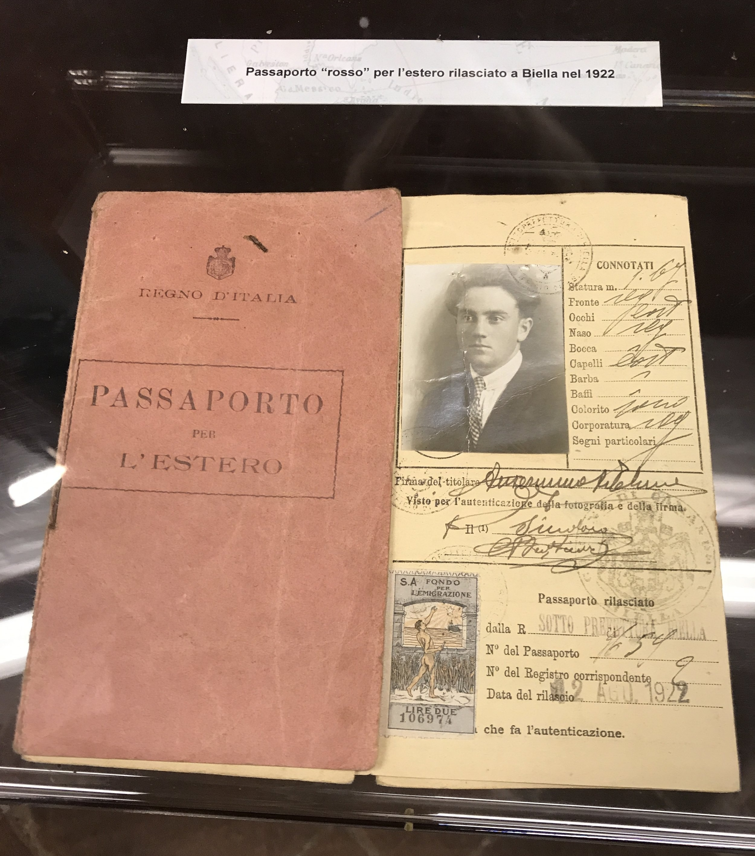 Paolo Cresci collected more than 15,000 photos and documents from the families of Italians who emigrated.