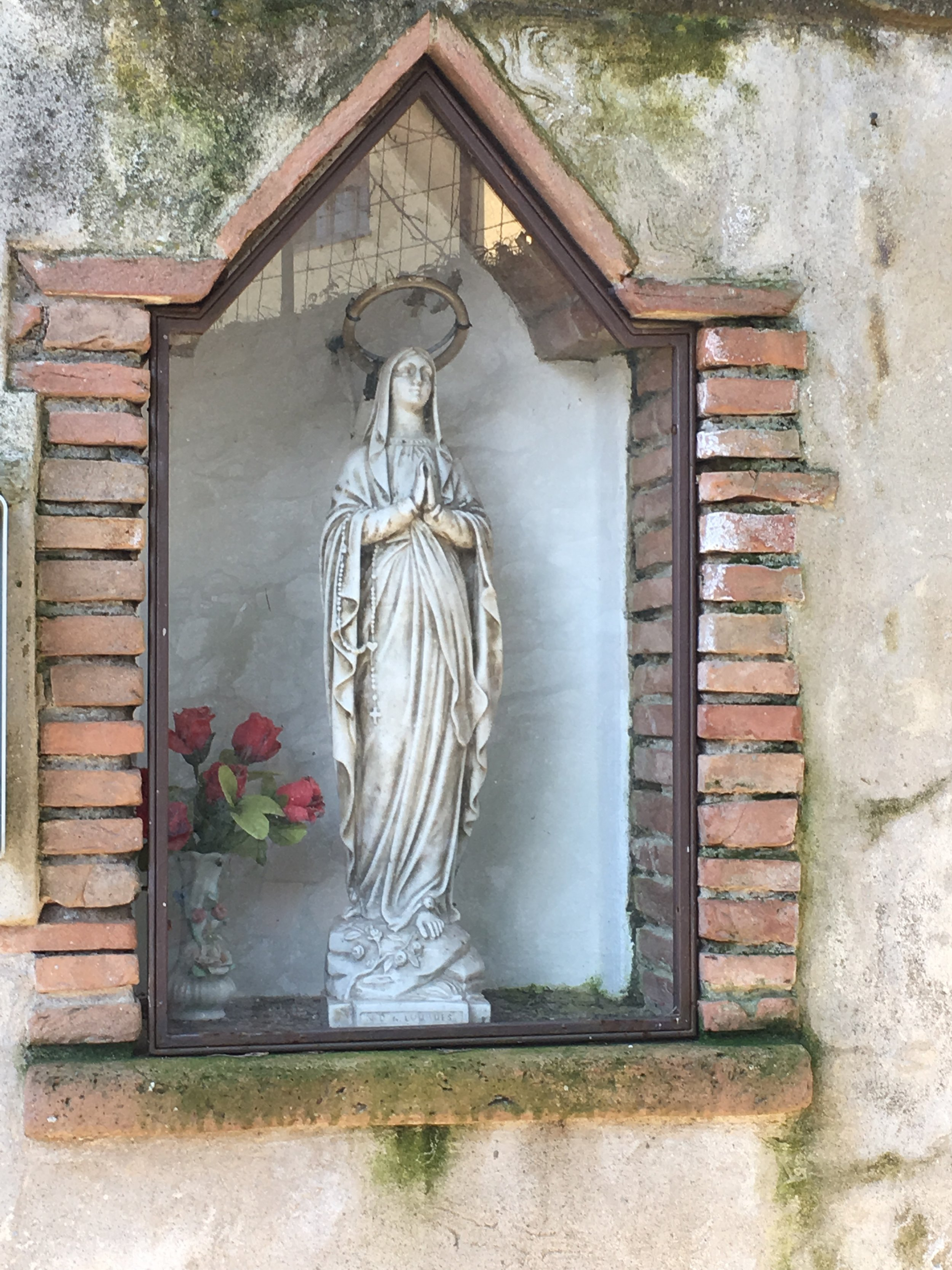 A roadside shrine in Sant'Andrea di Compito