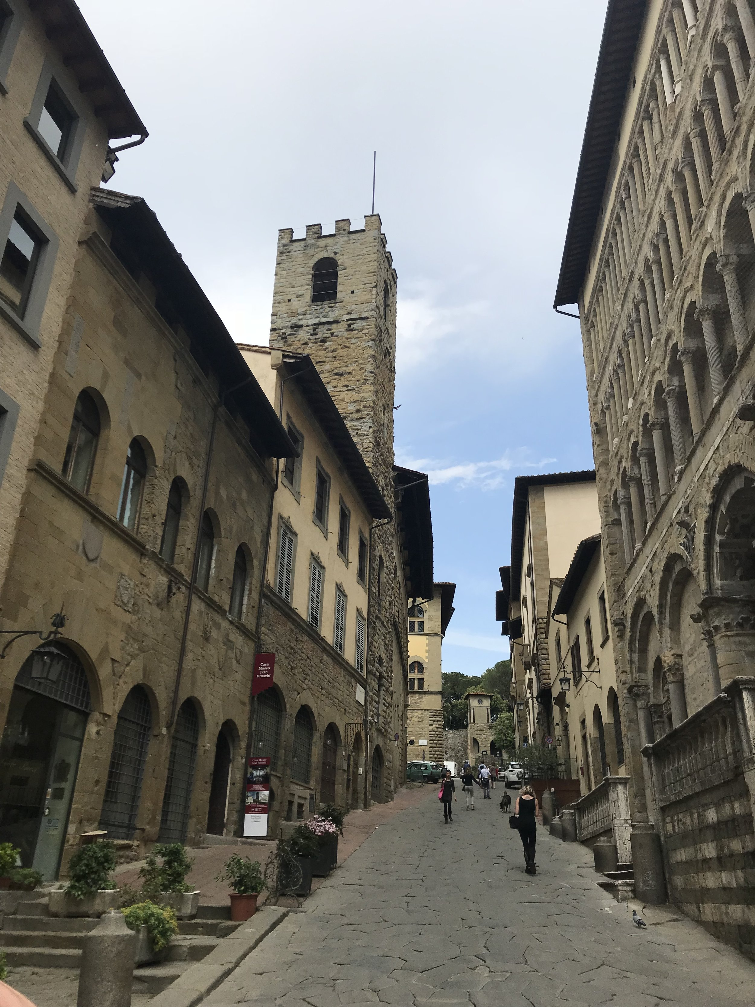 Walking the streets of Arezzo is relaxing, partly because of the city's beauty, partly because far few people visit this Tuscan treasure than some of the other towns in the region.