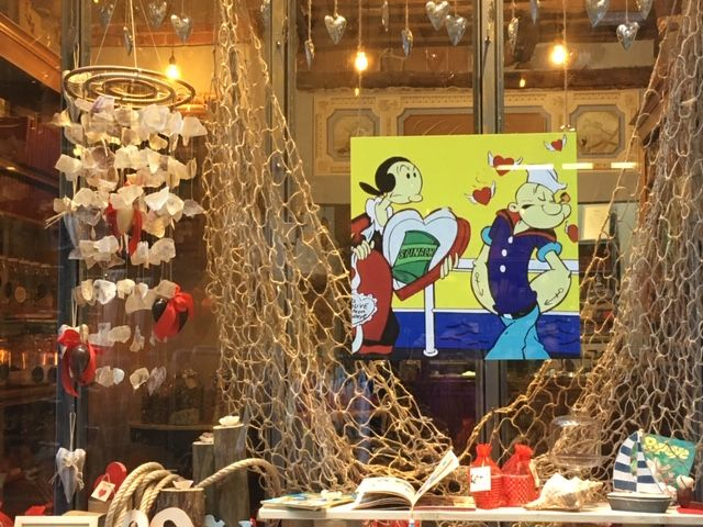 A classic Italian (?) romance - Popeye and Olive Oyl - in an Italian shop window