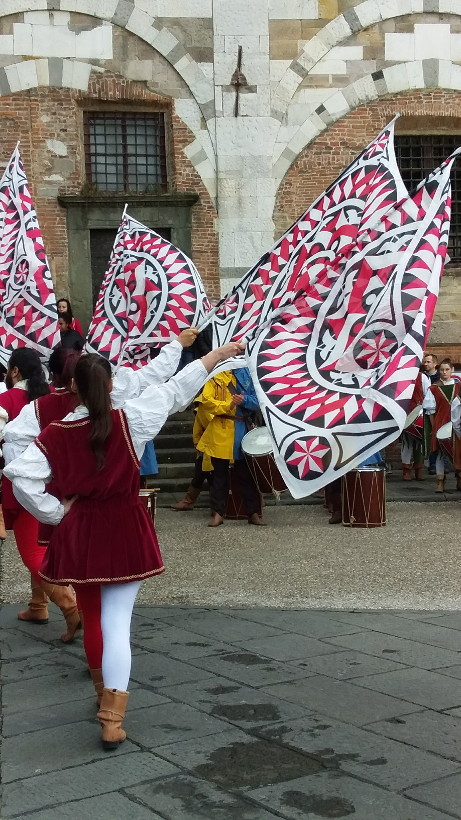 Lanciatori di bandiera  (flag throwers) - a crowd favorite as they toss their flags high into the air