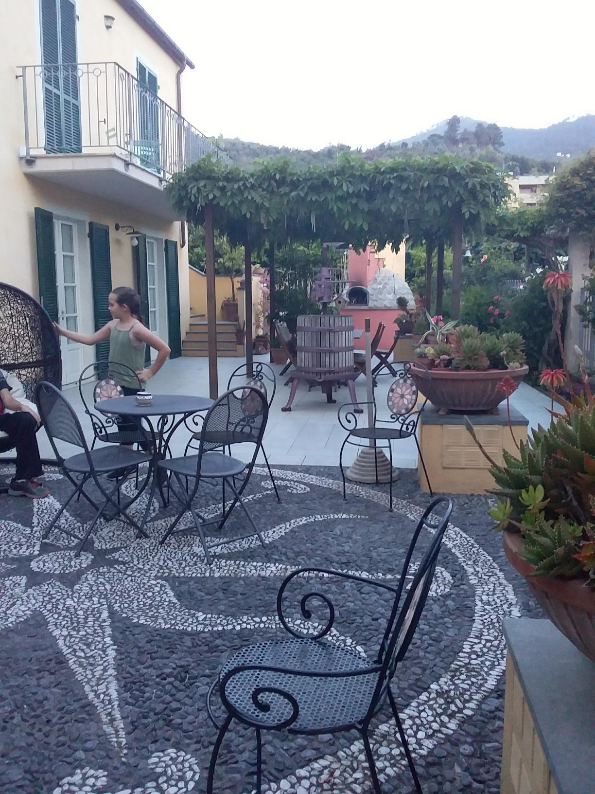 A Durmi's pretty courtyard