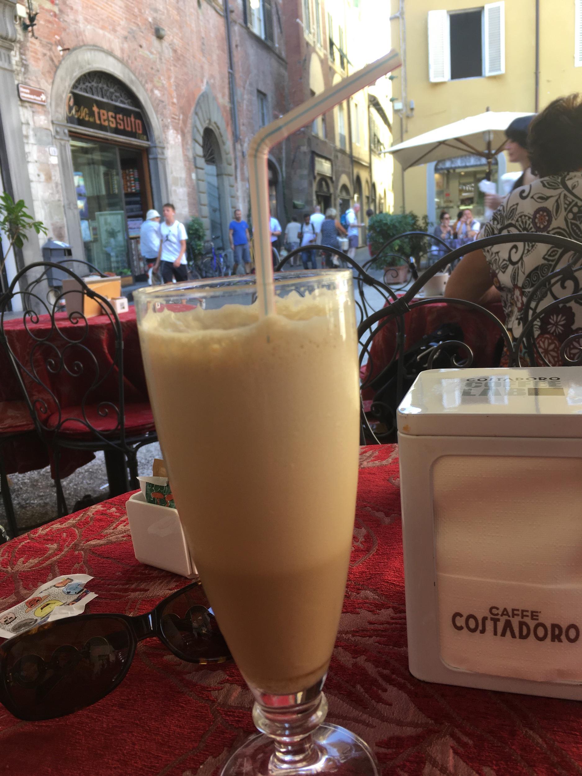 Caffè shakerato at Cafe Manon Lescaut, Piazza Cittadella, Lucca