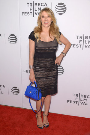 A moment we will never forget! Real Housewives of New York City star, Ramona Singer, looked mesmerizing on the red carpet at the Tribeca Film festival with her chic dress and vibrant Macro Annabelle. We adore Ramona's elegant style, positive energy and her active charity involvement. She is a true inspiration!