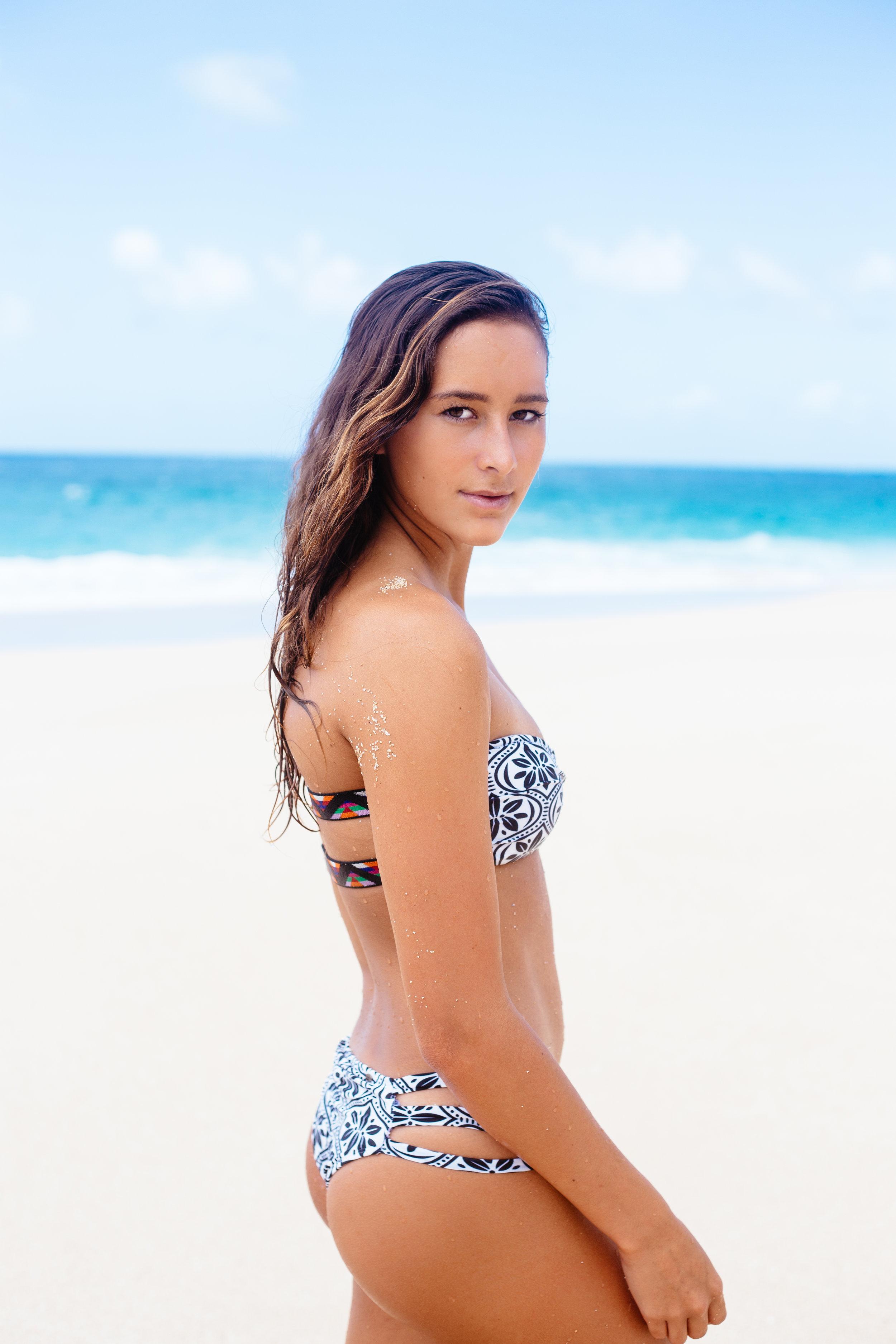 Honolua Blomfield - O'Neill Women's Surfer - AROSE TRAVELS
