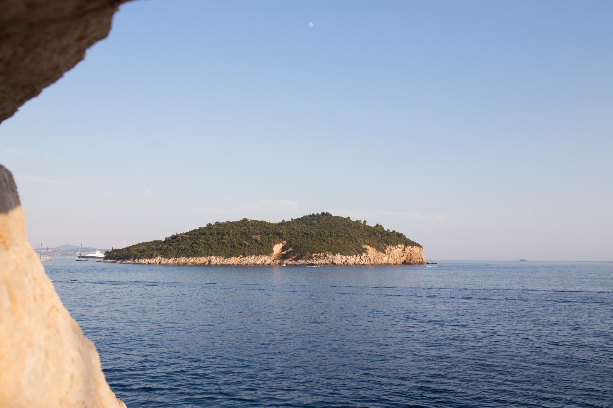 dubrovnik-croatia-dubrovnik hidden spots-dubrovnik beaches-cliff diving in dubrovnik-cliff diving in croatia-arose travels-alina mendoza-9650.jpg