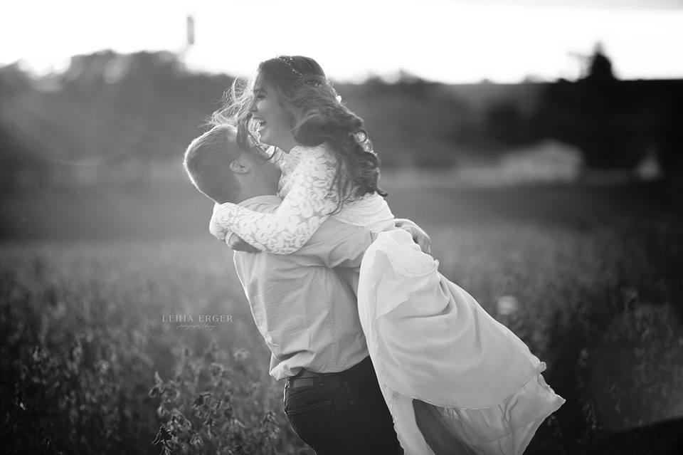 lehia erger photography_engagement wedding iowa.jpg