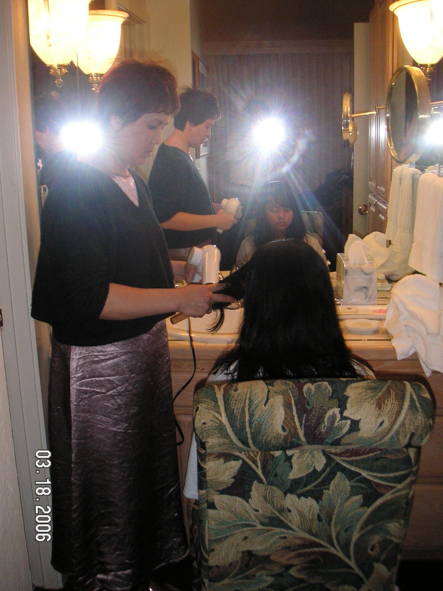 031806_mom sis hair.JPG
