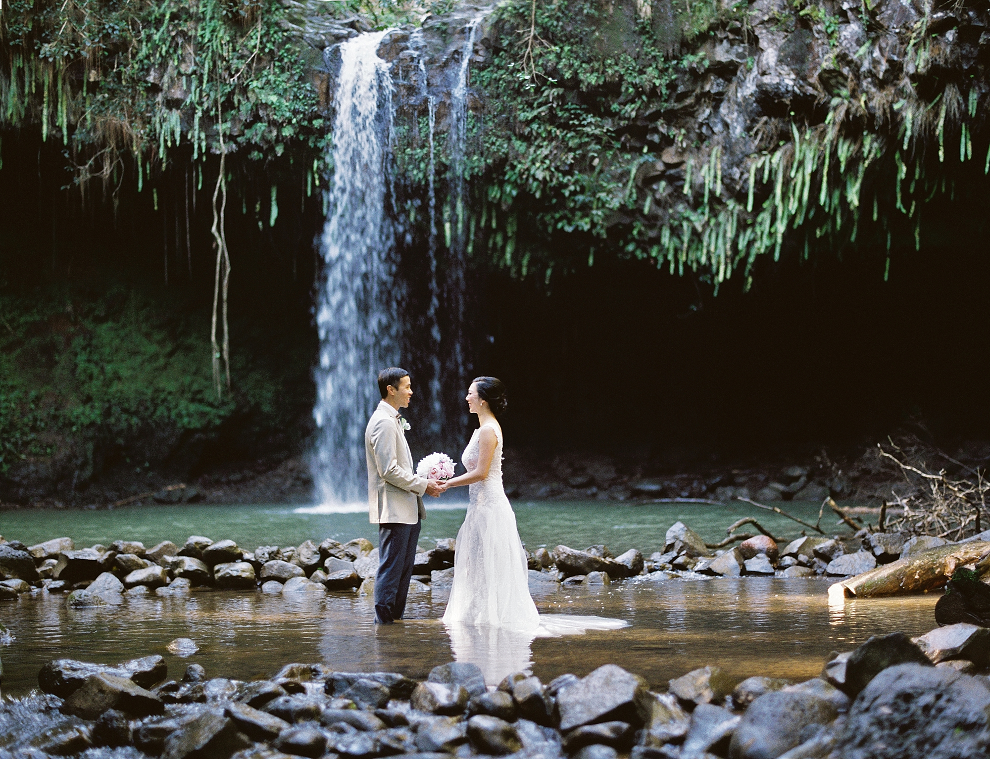 Maui Waterfall Elopement_0014.jpg