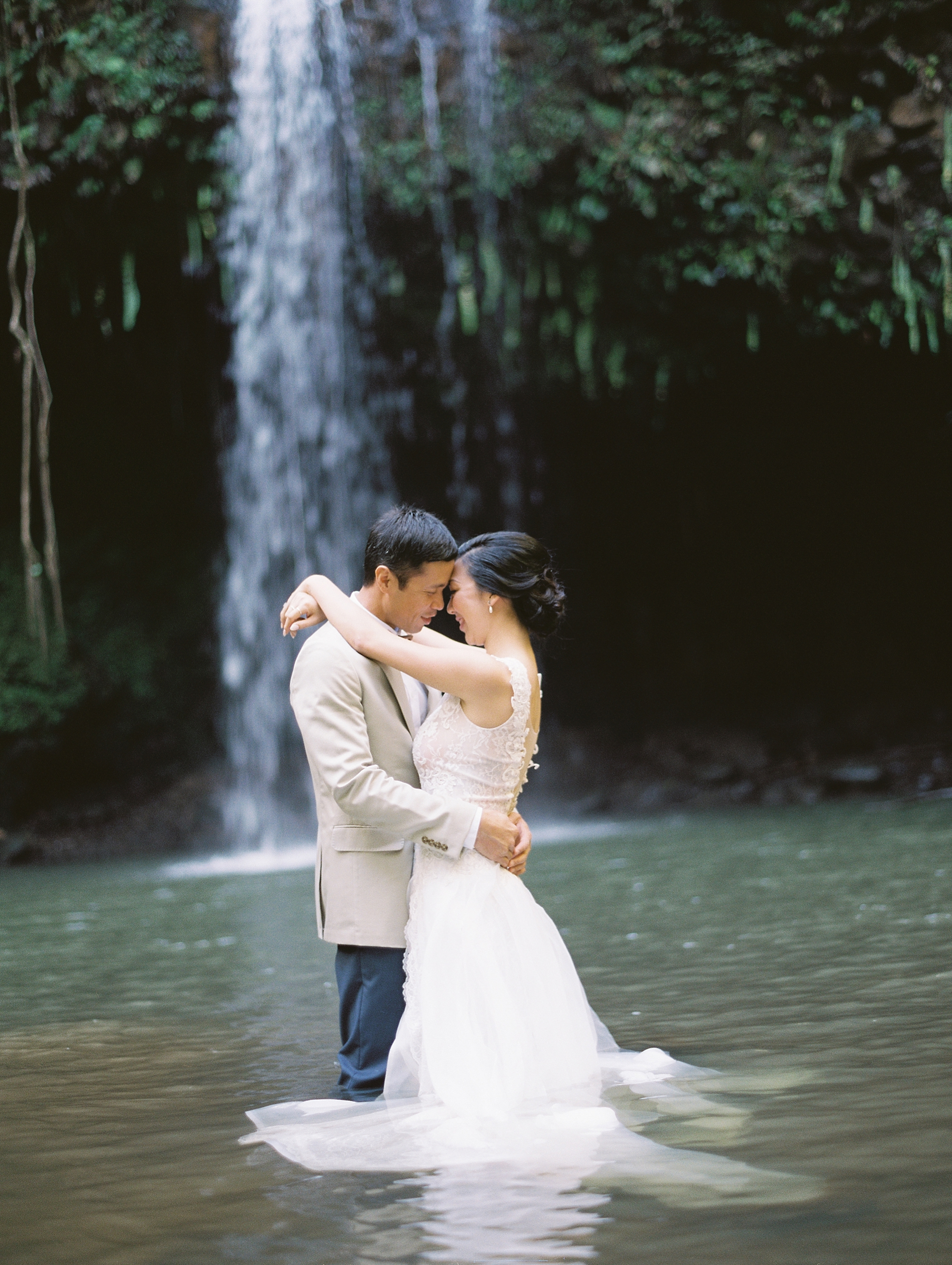 Maui Waterfall Elopement_0050.jpg