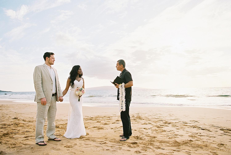 Maui-Beach-Elopement_0012.jpg