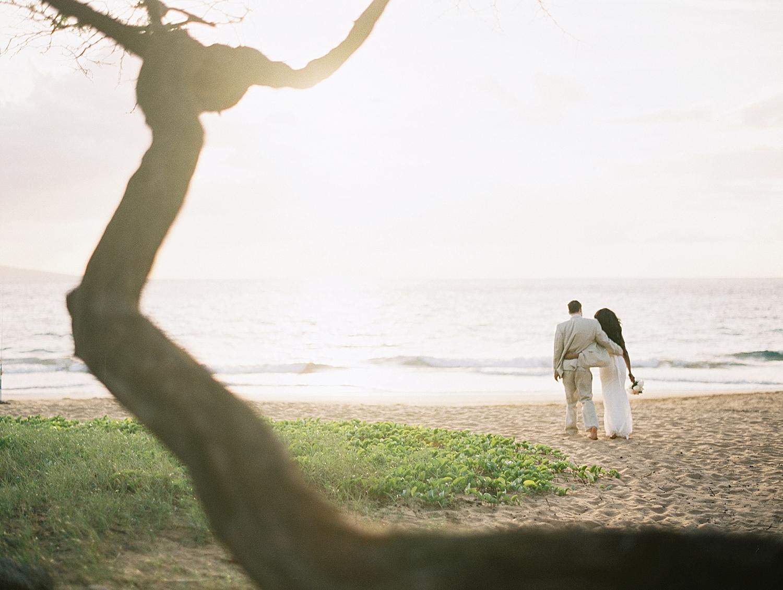 Maui-Beach-Elopement_0027.jpg