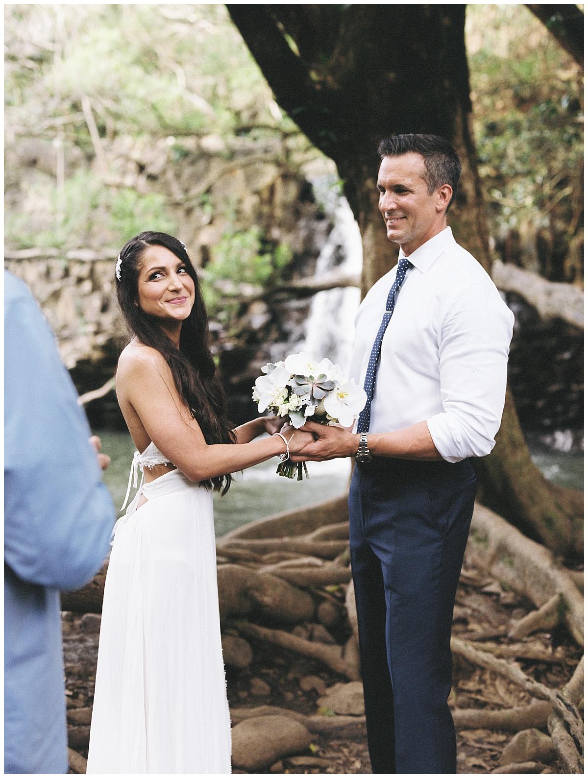 Maui-Waterfall-Wedding006.jpg