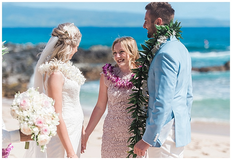 ironwoods-beach-elopement-maui-maid-of-honor-smiling
