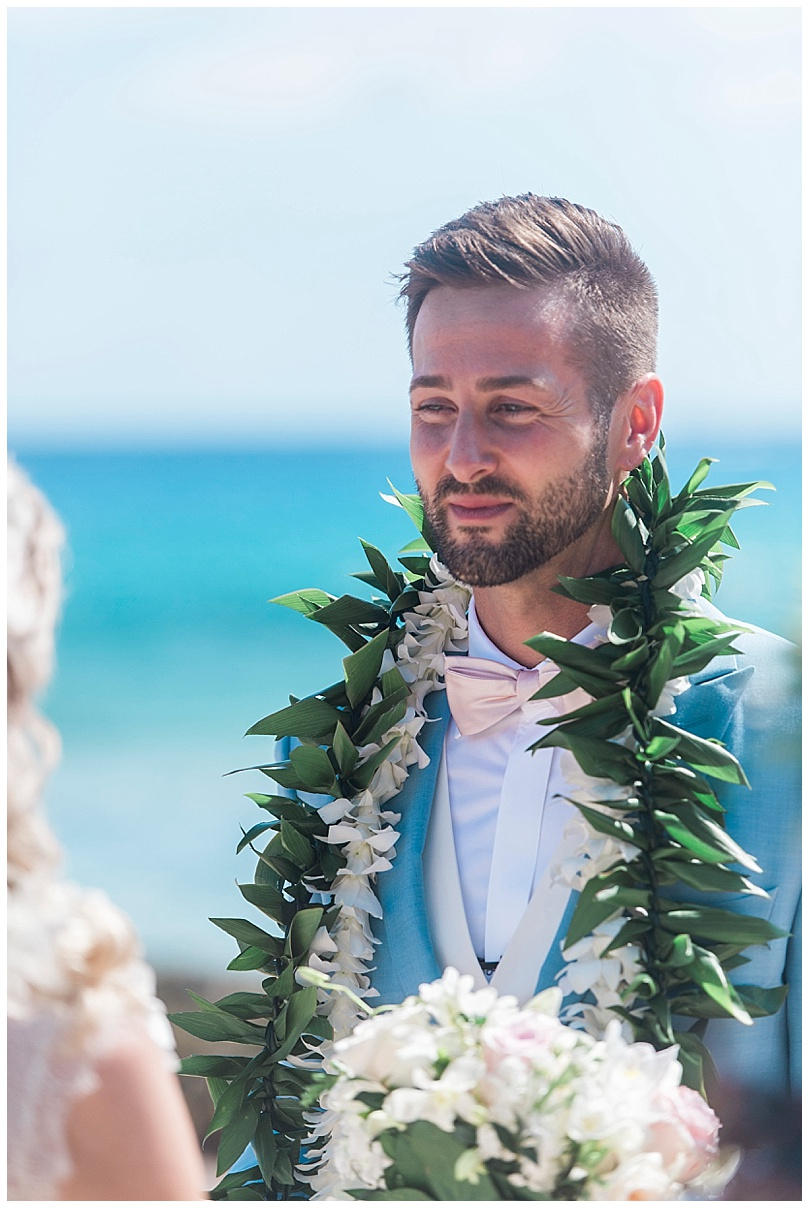 ironwoods-beach-elopement-maui-groom-during-ceremony