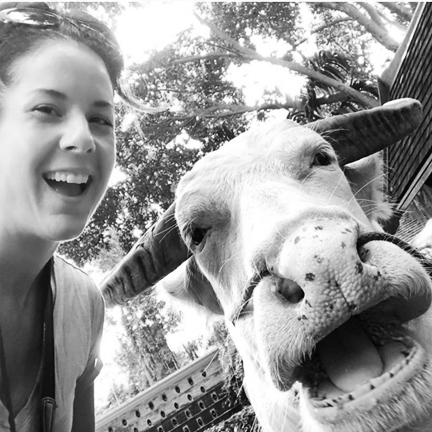 My favorite thing to do is take selfies with random animals#twinning -