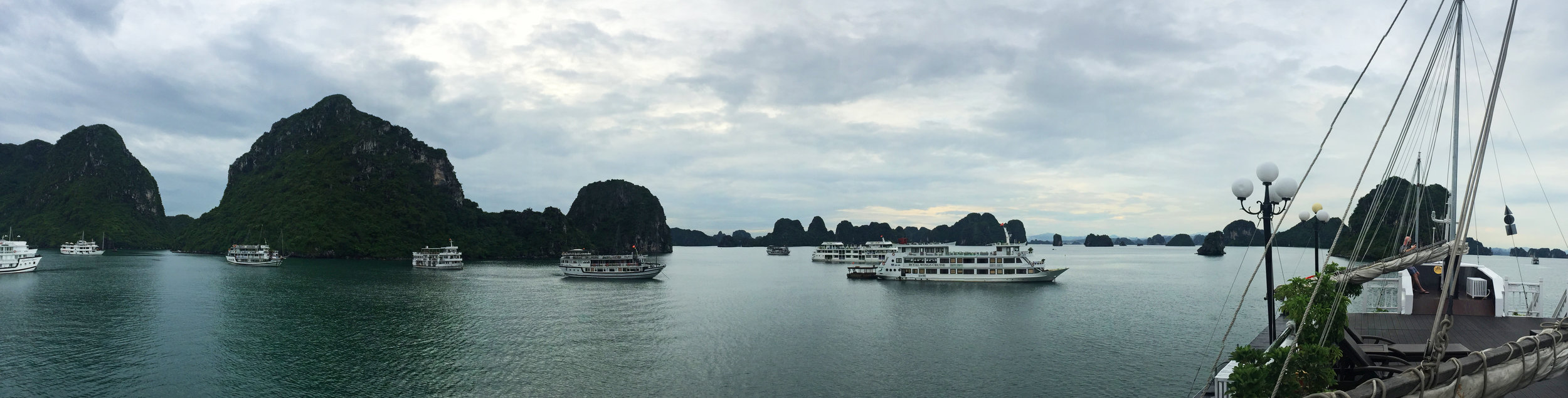 12_Vietnam_Halong03.jpg