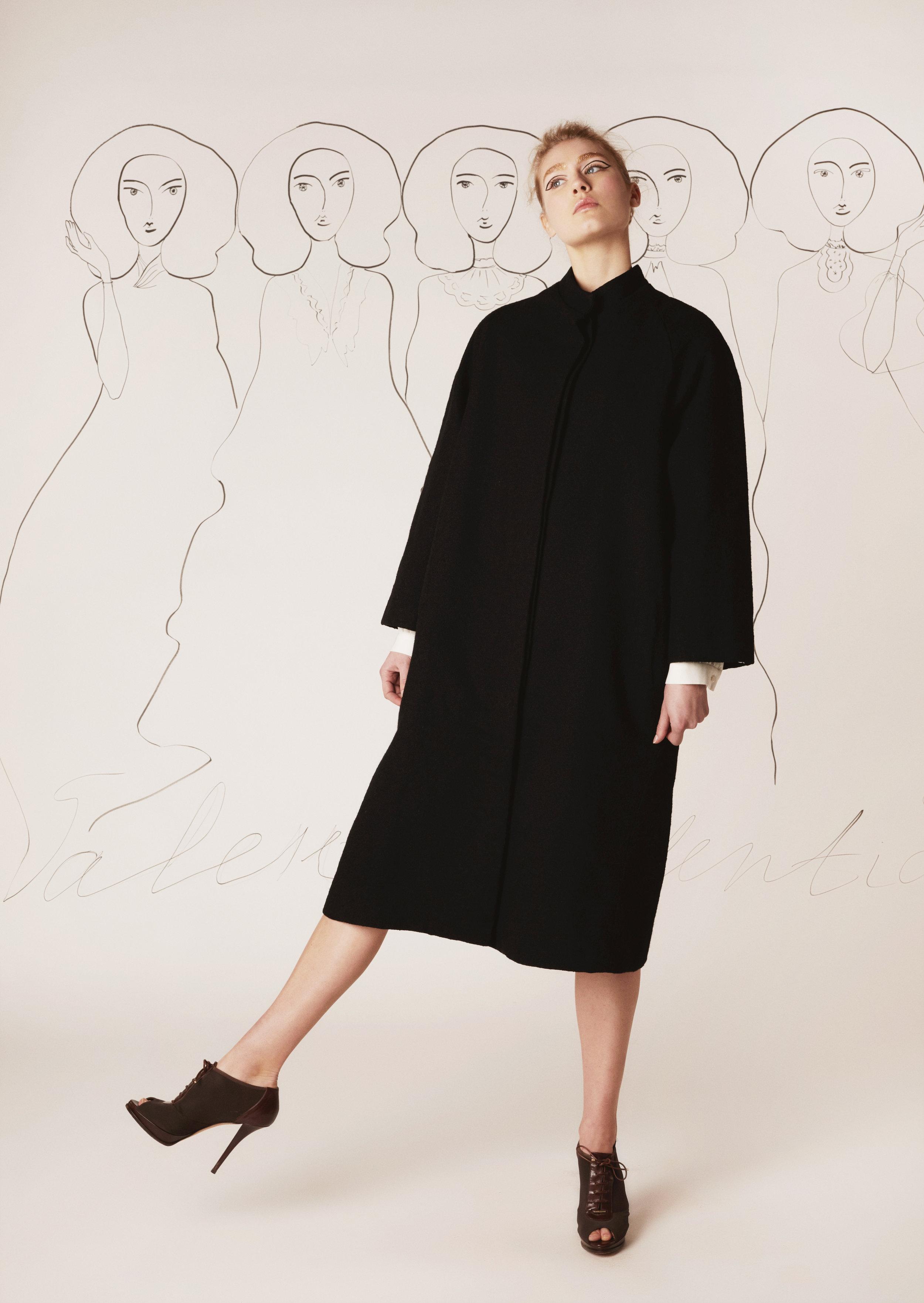 Tweed coat with silk lining