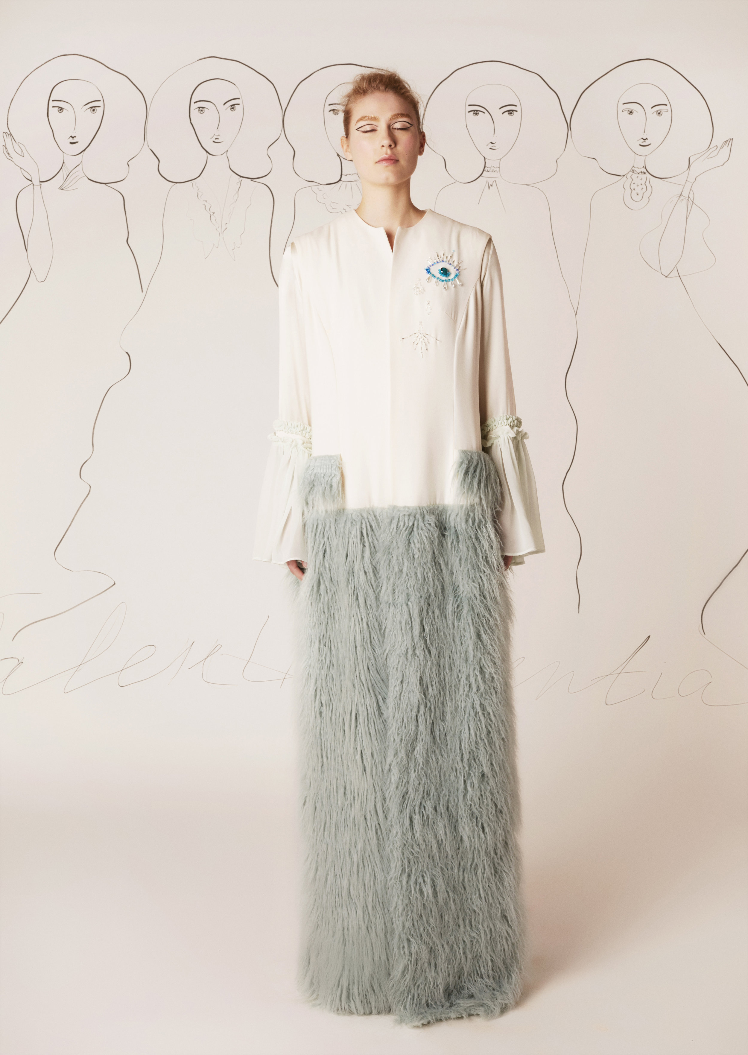 Silk-lined and embroidered wool crepe sleeveless coat with detachable faux fur