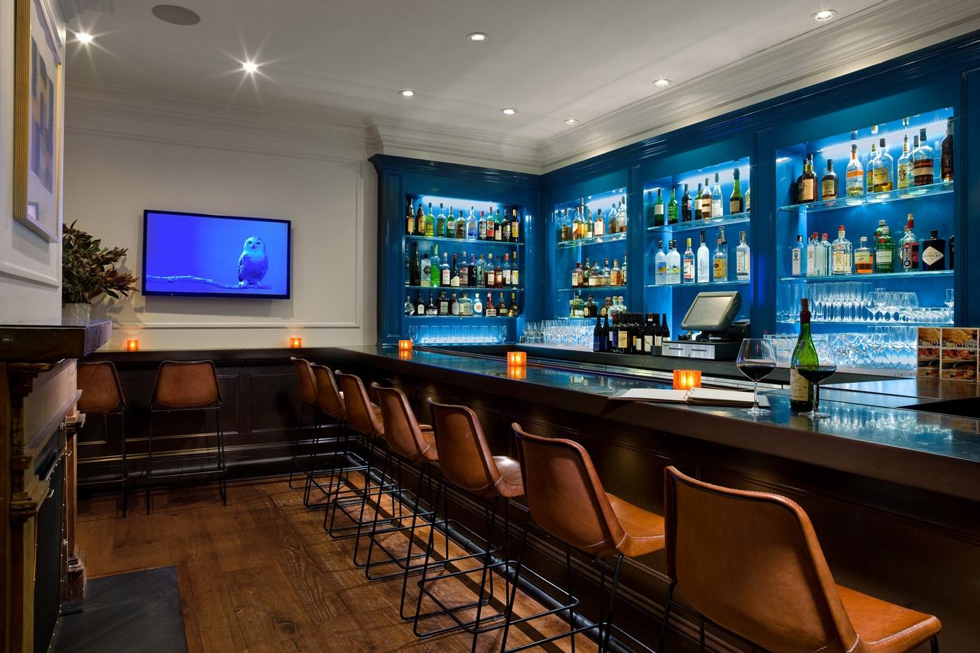 4-topping-rose-house_restaurant-bar_michael-weber_backstretchCrop.jpg