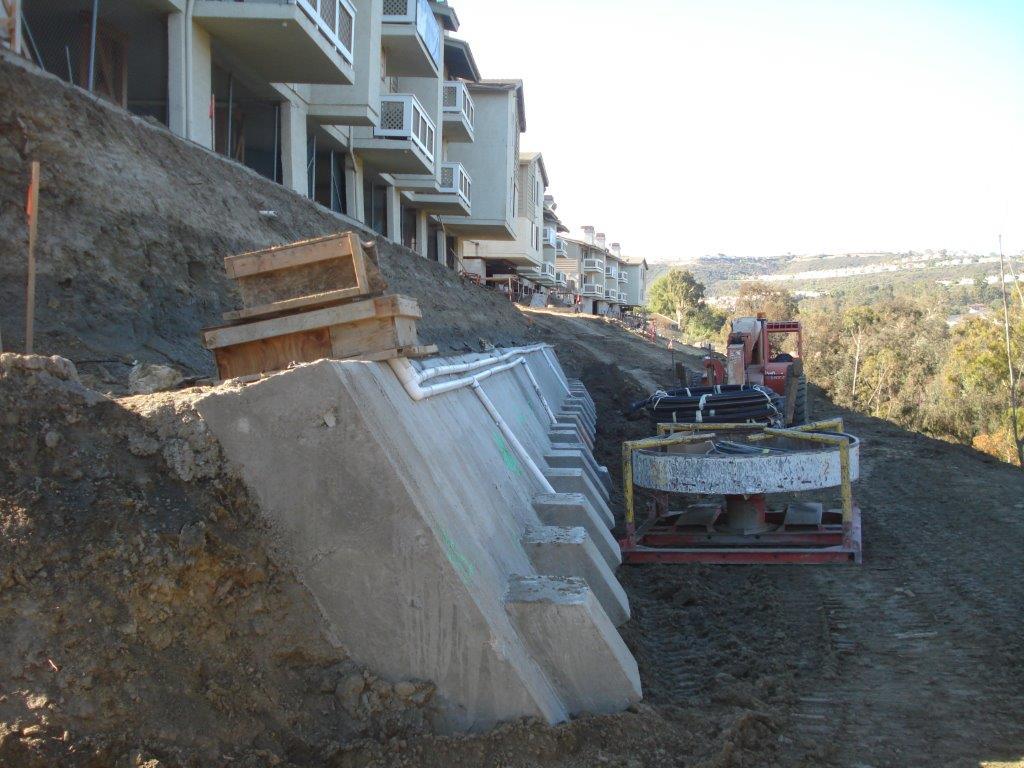12036 - Summit Apartments DSC01872.jpg